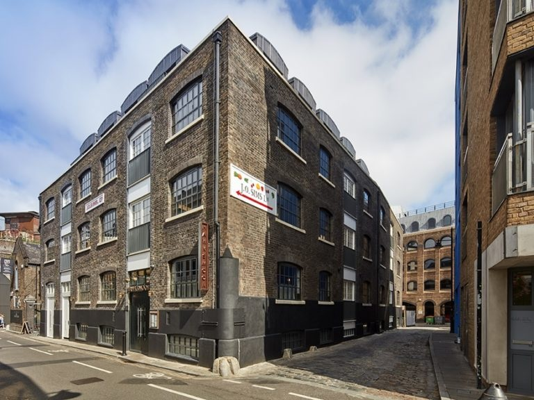 WWA member George Barnsdale manufactured wood windows for 16 Winchester Walk in Borough Market