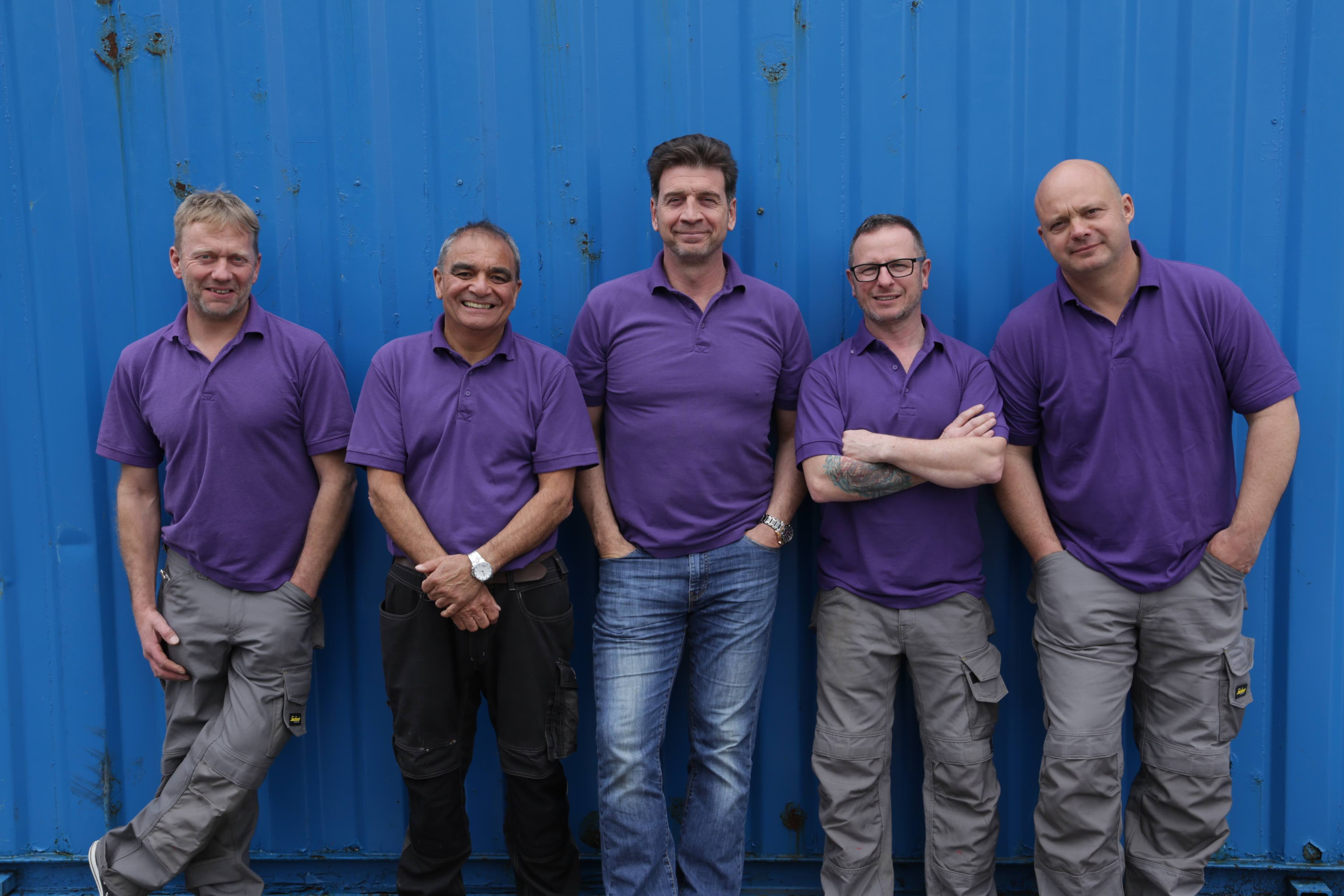 nick-knowles-and-the-diy-sos-team
